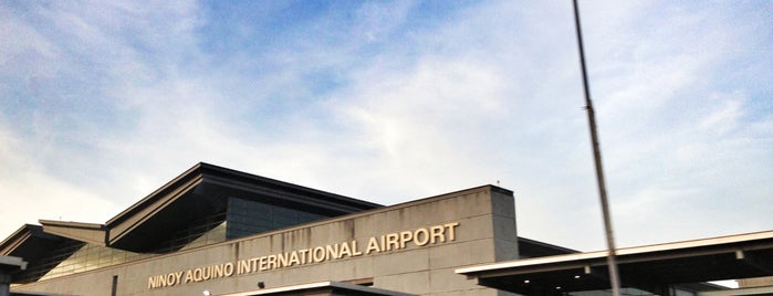 Ninoy Aquino International Airport (MNL) Terminal 3 is one of Tempat yang Disukai Angelika.