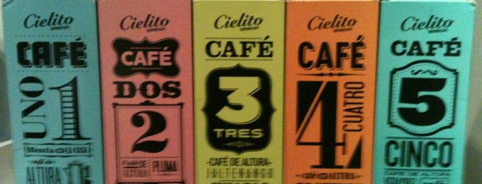 Cielito Querido Café is one of Locais curtidos por Javo.