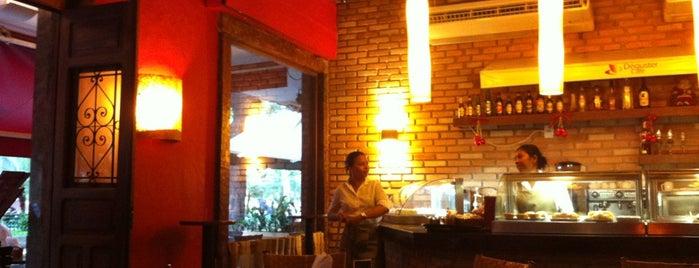 Déguster Café is one of Orte, die Raquel gefallen.