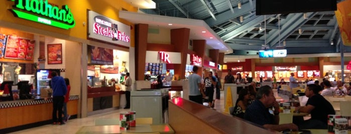 Sawgrass Mills Food Court is one of Locais curtidos por Paulo.