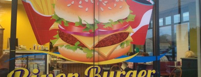 River burger café is one of สถานที่ที่ M ถูกใจ.