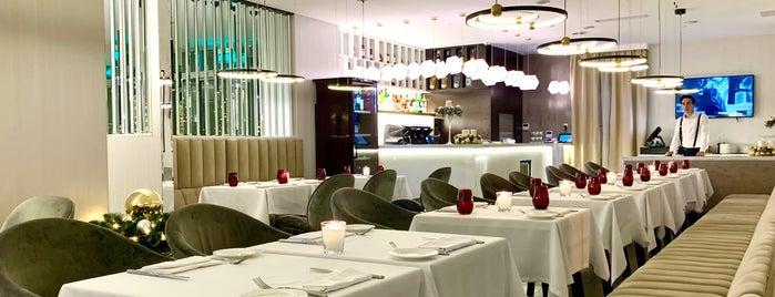 Gina Café is one of Dmitry'in Kaydettiği Mekanlar.