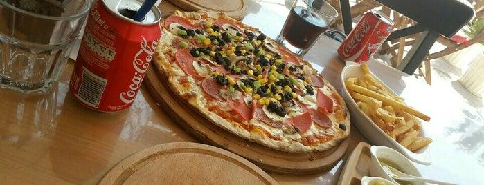 Roma Pizza & Cafe is one of Gespeicherte Orte von Pınar.