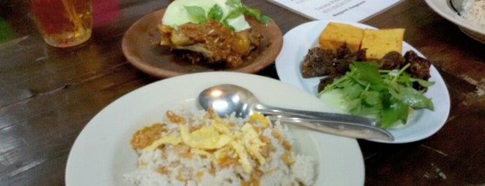 Nasi Uduk Monalisa is one of SBY Culinary Spot!.