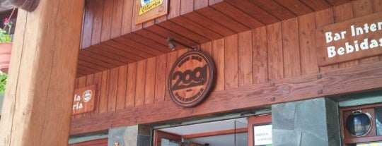 Cafe-Bar 2001 is one of Tempat yang Disukai Ely.