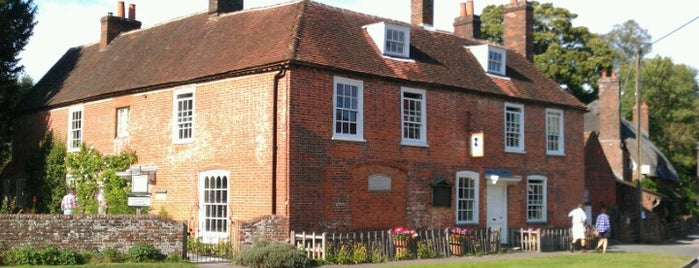 Jane Austen's House is one of Lieux qui ont plu à Carl.