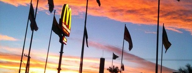 McDonald's is one of Locais curtidos por Paulo.
