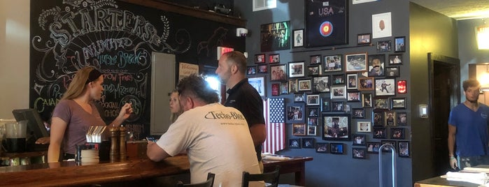 FoxGardin Kitchen and Ale is one of สถานที่ที่ CS_just_CS ถูกใจ.