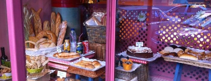 Campos de Retana is one of momentos dulces por la capital!.