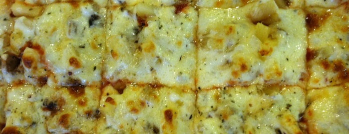 Rosati's Pizza is one of Food Worth Stopping For.
