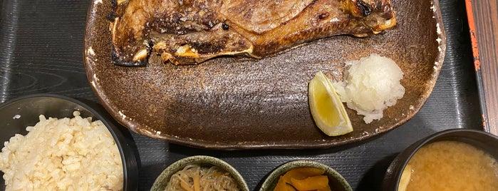 焼魚食堂 魚角 学芸大学店 is one of Lieux sauvegardés par Hide.