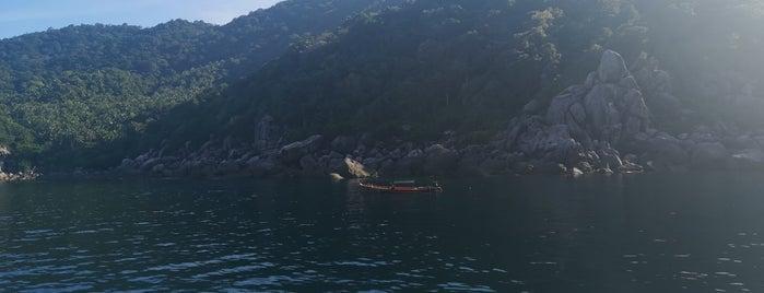 Hin Wong Bay is one of Locais curtidos por Masahiro.