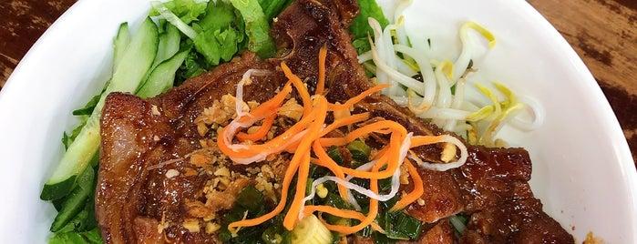 Tastebud Foodcourt is one of XS - Been.