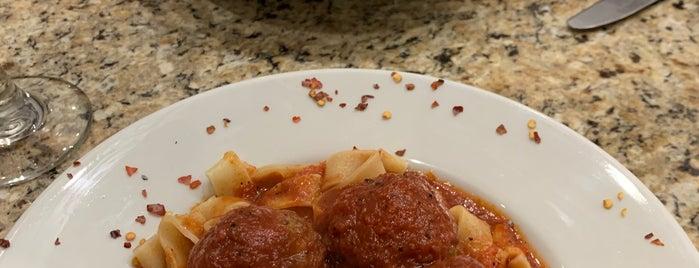 Trevi Pasta is one of Locais salvos de Annette.