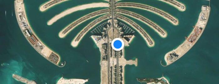 Palm Jumeirah is one of plages.