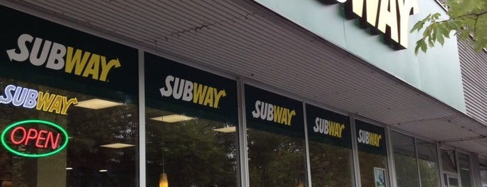 SUBWAY is one of Tempat yang Disukai Harald.