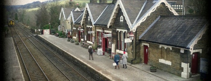 Settle Railway Station (SET) is one of Lugares favoritos de Carl.