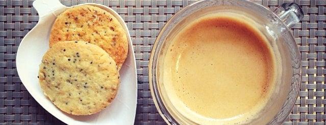 Pan Cooker is one of Healthy & Veggie Food in Paris.