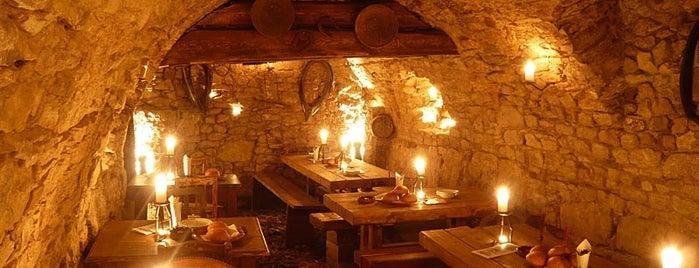 Středověká krčma U krále Brabantského is one of Рестораны, пивоварни, кафе, пабы Праги.