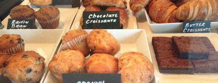 Caffè Aromi is one of Lugares favoritos de Max.