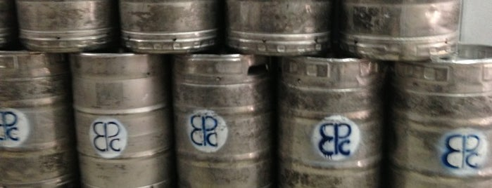Peticolas Brewing Company is one of Locais curtidos por Jenna.