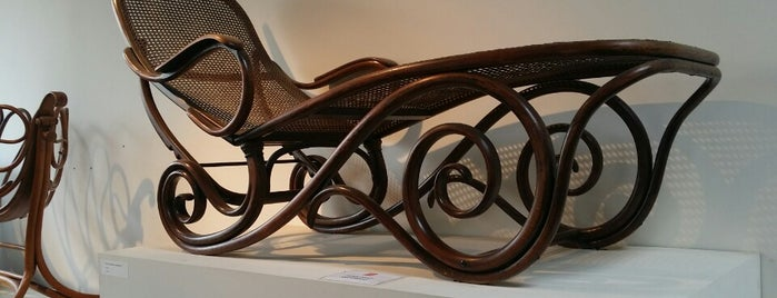 Thonet is one of MEL.
