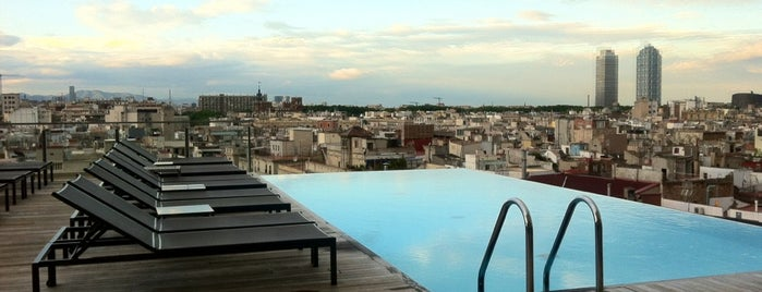 Sky Bar is one of Les plus beaux rooftops !.