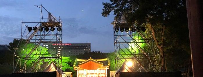 성종대왕릉 Royal Tomb of King Seongjong is one of Tempat yang Disukai Yves.