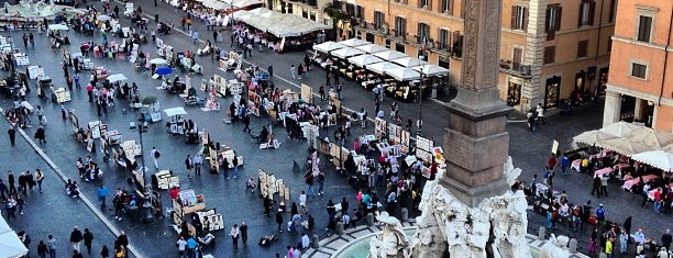 Plaza Navona is one of Lugares favoritos de Ahmet.