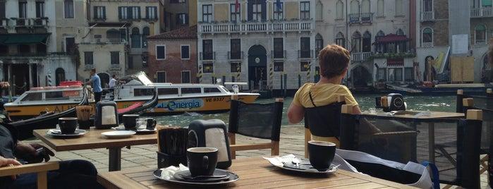 Caffè Vergnano Venezia Rialto is one of Posti che sono piaciuti a Сергей.