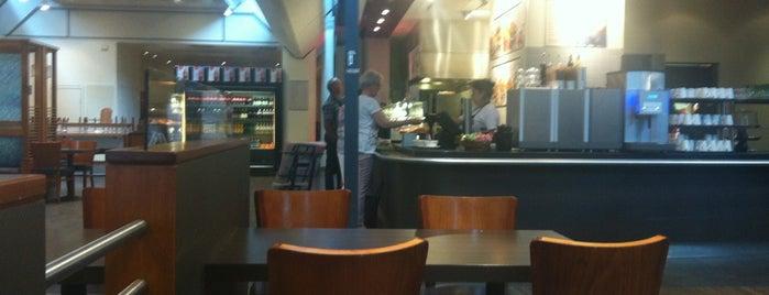 Cafe Opus is one of Locais curtidos por Eda.