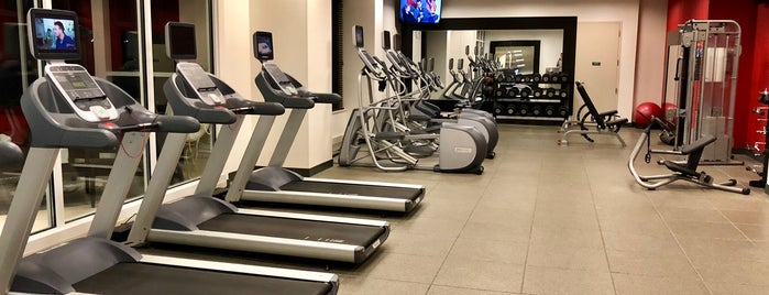 Hilton Garden Inn Chicago Downtown/Magnificent Mile Pool & Fitness Center is one of สถานที่ที่บันทึกไว้ของ Jeff.