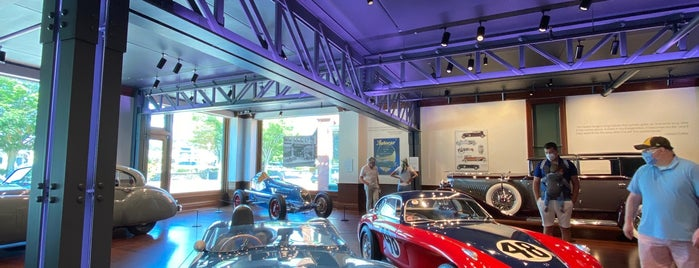 Audrain Automobile Museum is one of Newpaht.