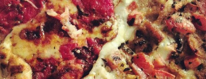 Renato's Pizza is one of Locais curtidos por Mei.