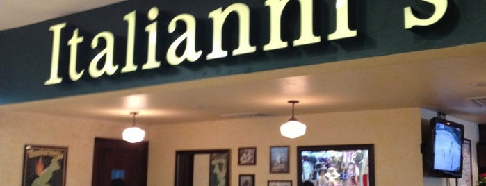 Italianni's Pasta, Pizza & Vino is one of Tempat yang Disukai Jorge.