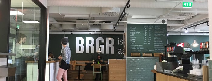 Friends & Brgrs is one of Locais curtidos por Hamilton.