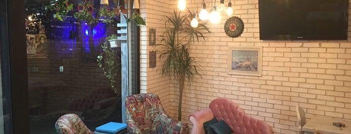 Cool Cafe' is one of Hamilton'un Beğendiği Mekanlar.