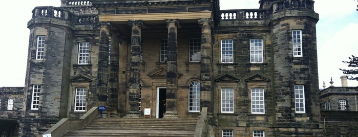Seaton Delaval Hall is one of Tempat yang Disukai Carl.