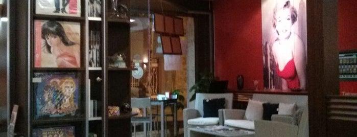 Cafeteria Pizzeria Menorca is one of Venice: сохраненные места.