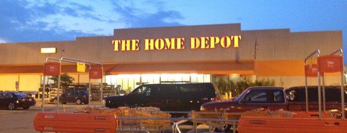 The Home Depot is one of Scott'un Beğendiği Mekanlar.