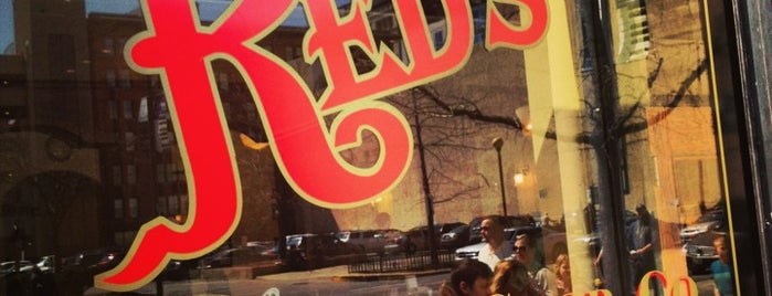 Red's Classic Barber Shop Co. is one of สถานที่ที่ Jared ถูกใจ.
