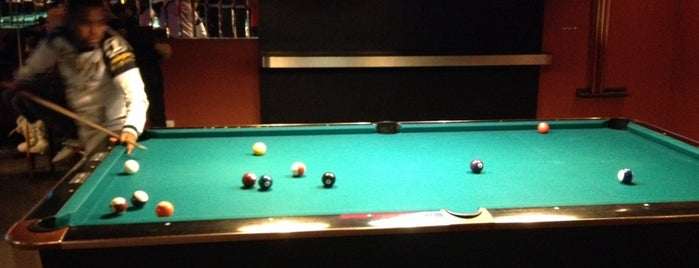 Chicago's Pub & Billiards is one of Chris's Liked Places.