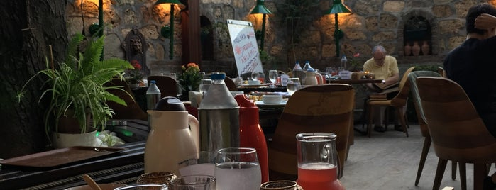 Kale İçi Restaurant is one of Orte, die Emine gefallen.