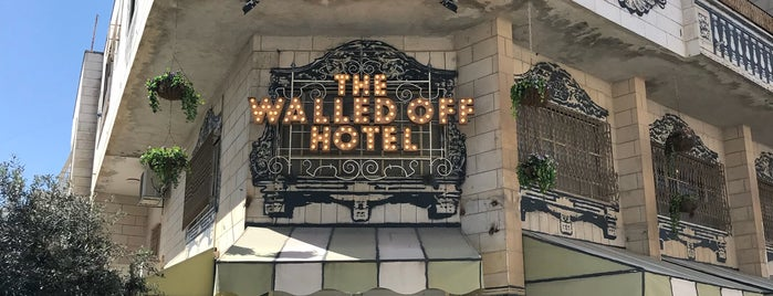 The Walled Off Hotel is one of Locais curtidos por Carl.