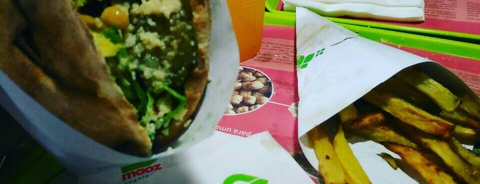 Maoz Vegetarian is one of Locais curtidos por Leticce.