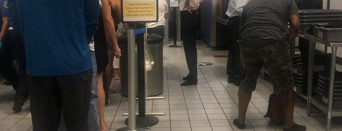 TSA Security Checkpoint is one of Colin : понравившиеся места.