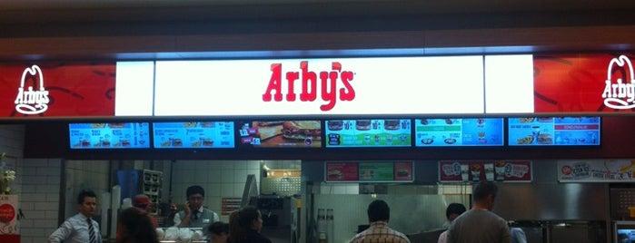 Arby's is one of Lieux qui ont plu à Mesut.