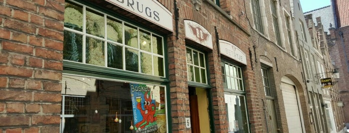 't Brugs Beertje is one of World's Best Bars and Pubs.