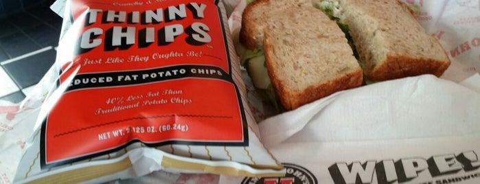 Jimmy John's is one of Lieux sauvegardés par Destiny.