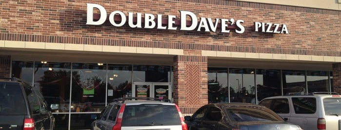 DoubleDave's PizzaWorks is one of Locais curtidos por Phillip.